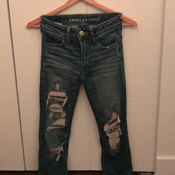 American eagle ripped-jeans